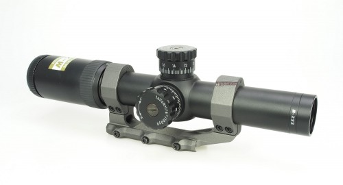 The M-223 1.5-6x24 BDC 600 scope mounted in an Aero Precision 30mm Ultralight mount.